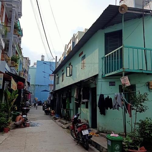 Chủ bán gấp nhà 2 MT Liên khu 4-5 Bình Tân có sẵn 5 phòng trọ DTSD 123m2 giá 3 tỷ LH 0933732939