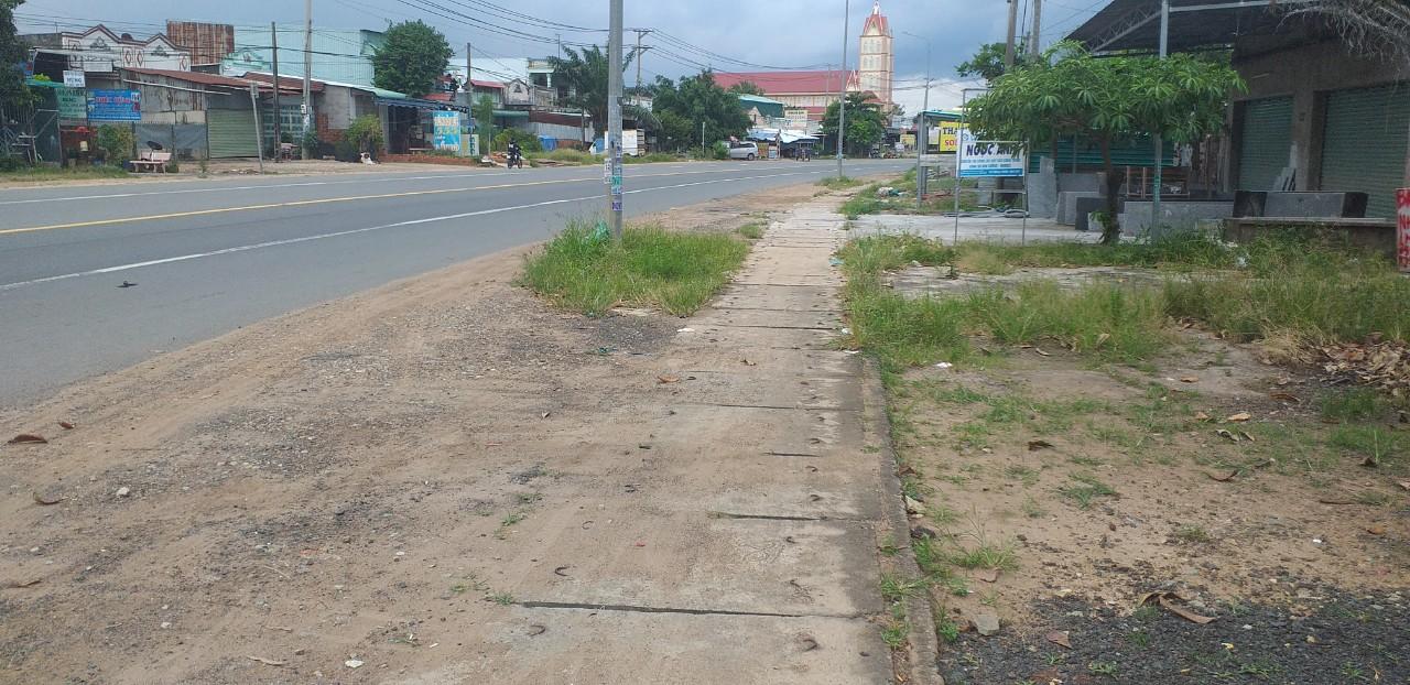 Bán đất mặt tiền Quốc Lộ 1A, Xuân Hưng