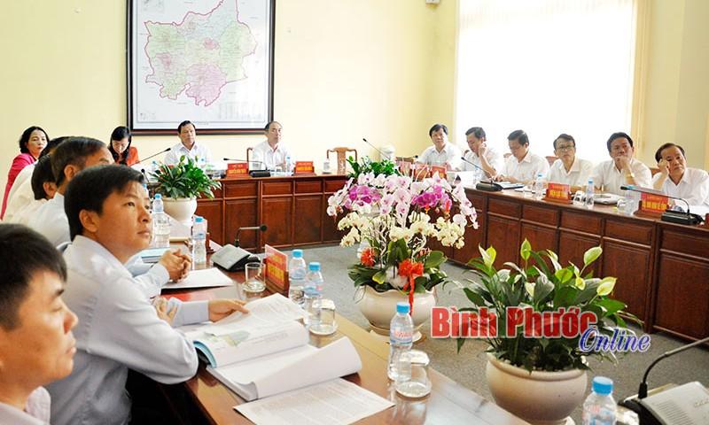 Ban lãnh đạo của huyện họp phát triền huyện Đồng Phú