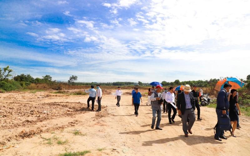 Hình ảnh tại lễ nhận bàn giao đất tại dự án Khu dân cư Hòa Lân